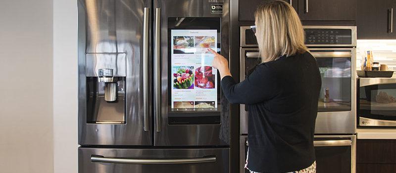 samsung-family-hub-refrigerator-rf28nhedbsg-aa-6323-feat